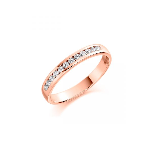 Twelve stone brilliant cut diamond