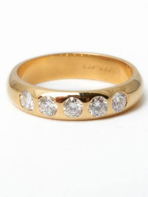 Pre Owned 18ct Yellow Gold 5 Stone Diamond Ring