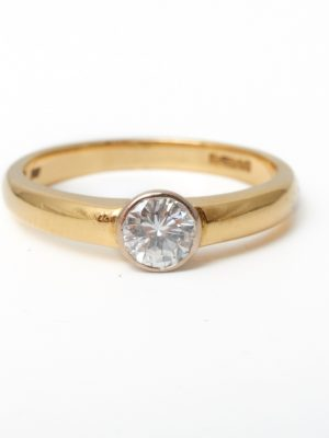 Pre Owned 18ct Yellow Gold Rub Over Diamond Ring